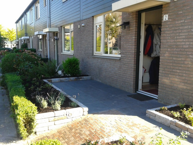 Voor en achtertuin renoveren in huizen for Tuin renoveren